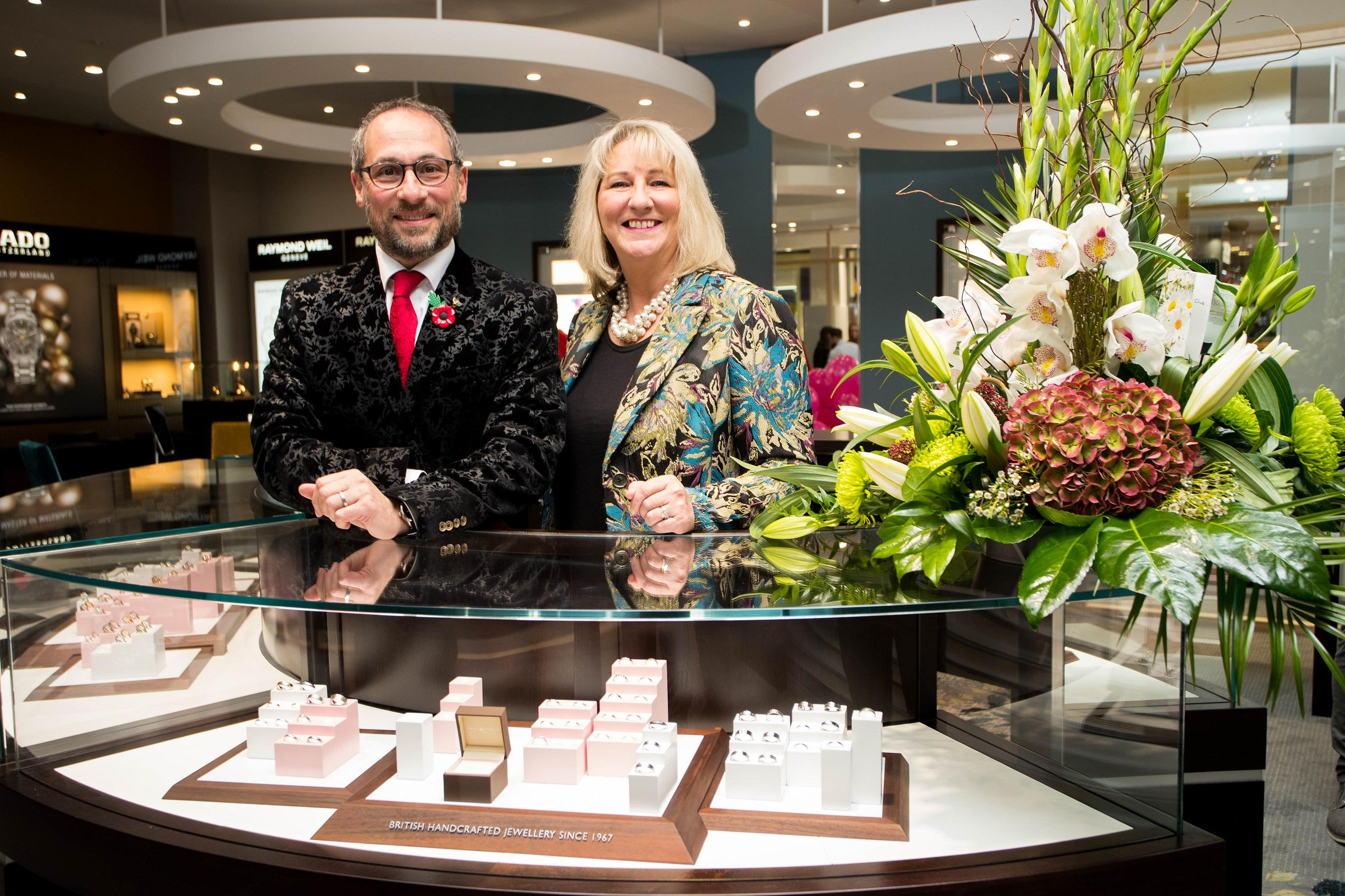 ff53eabd17173 Peter Jackson the Jeweller opens stunning new store - Blackburn BID